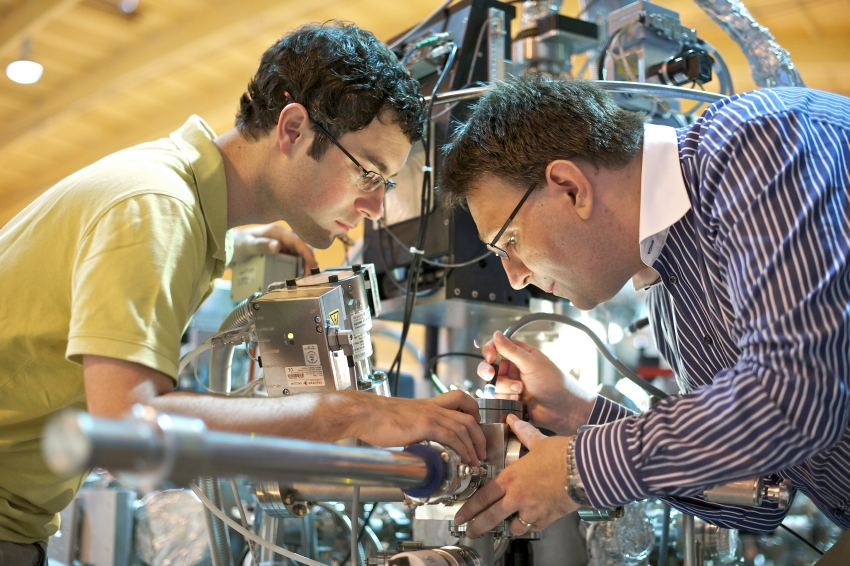 Spectroscopy of new materials at the ADRESS beamline of SLS
