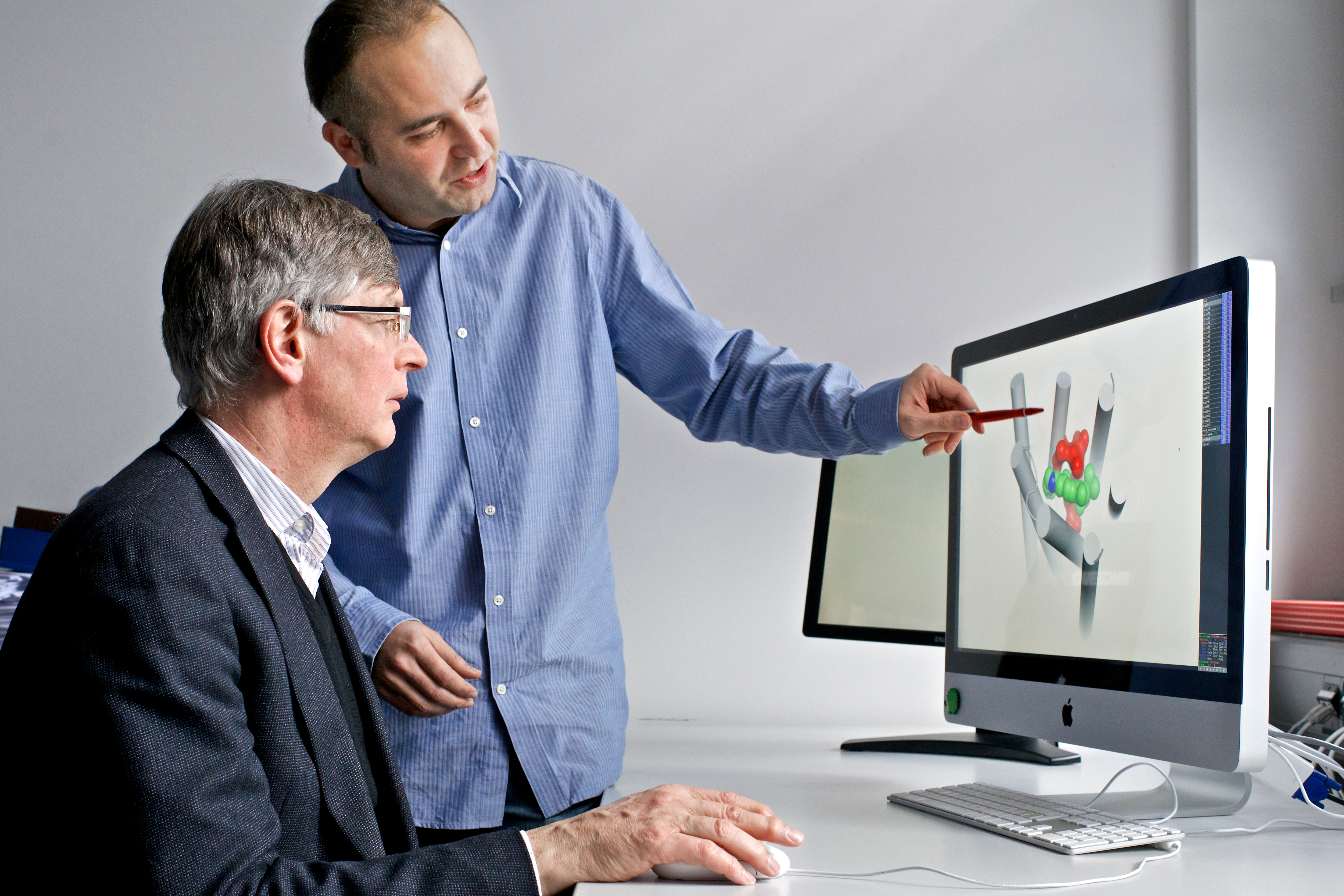 PSI researchers Gebhard Schertler and Xavier Deupi (Photo Paul Scherrer Institute/Markus Fischer)