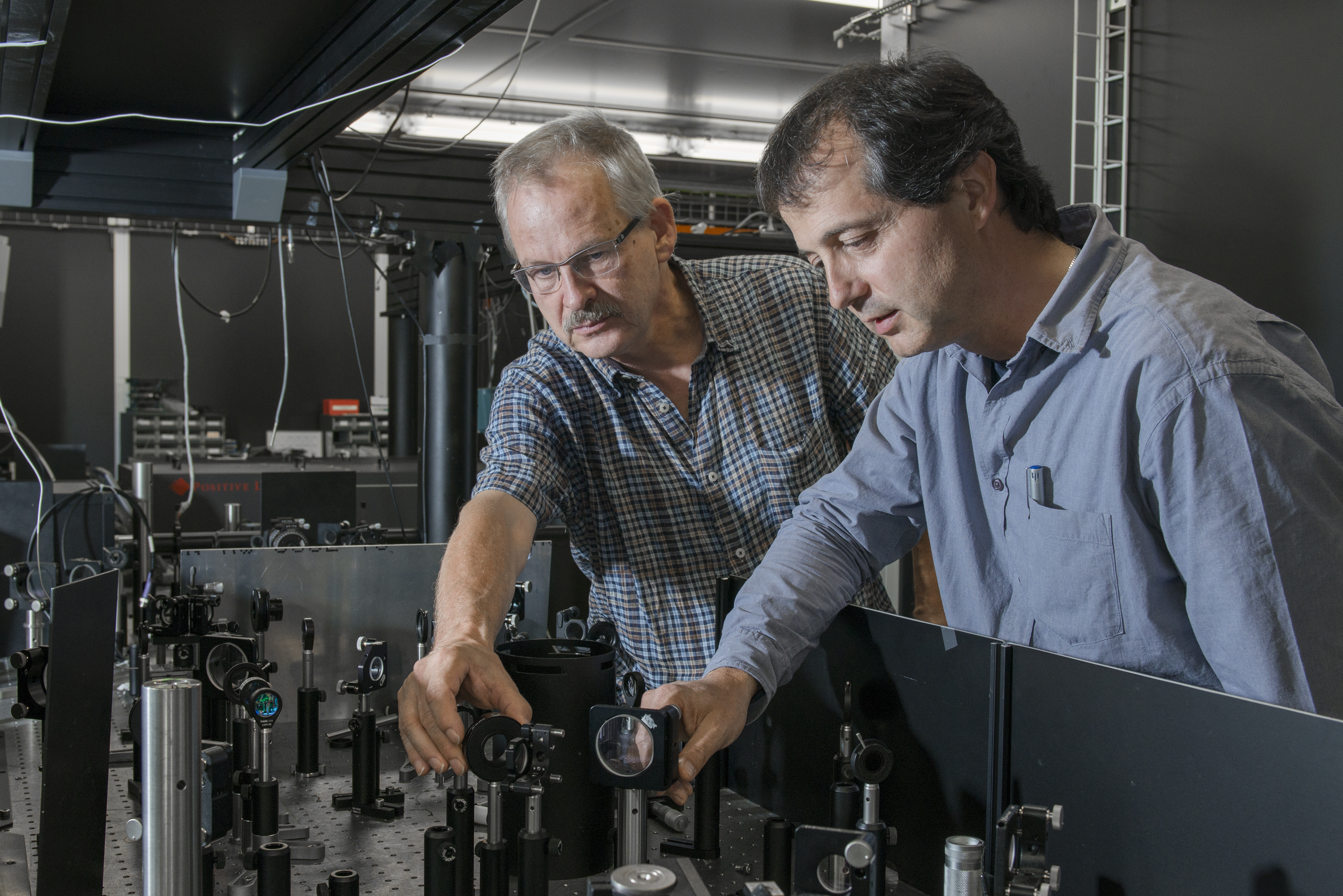 Short x-ray probes are already being tested today in the 'laser smelting works' of the FEMTO experiment at PSI. In the photo the researchers Paul Beaud (left) and Urs Staub. Photo: Paul Scherrer Institute/Mahir Dzambegovic