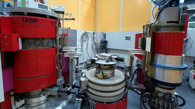 The neutron spectrometer TASP used in this study ©PSI
