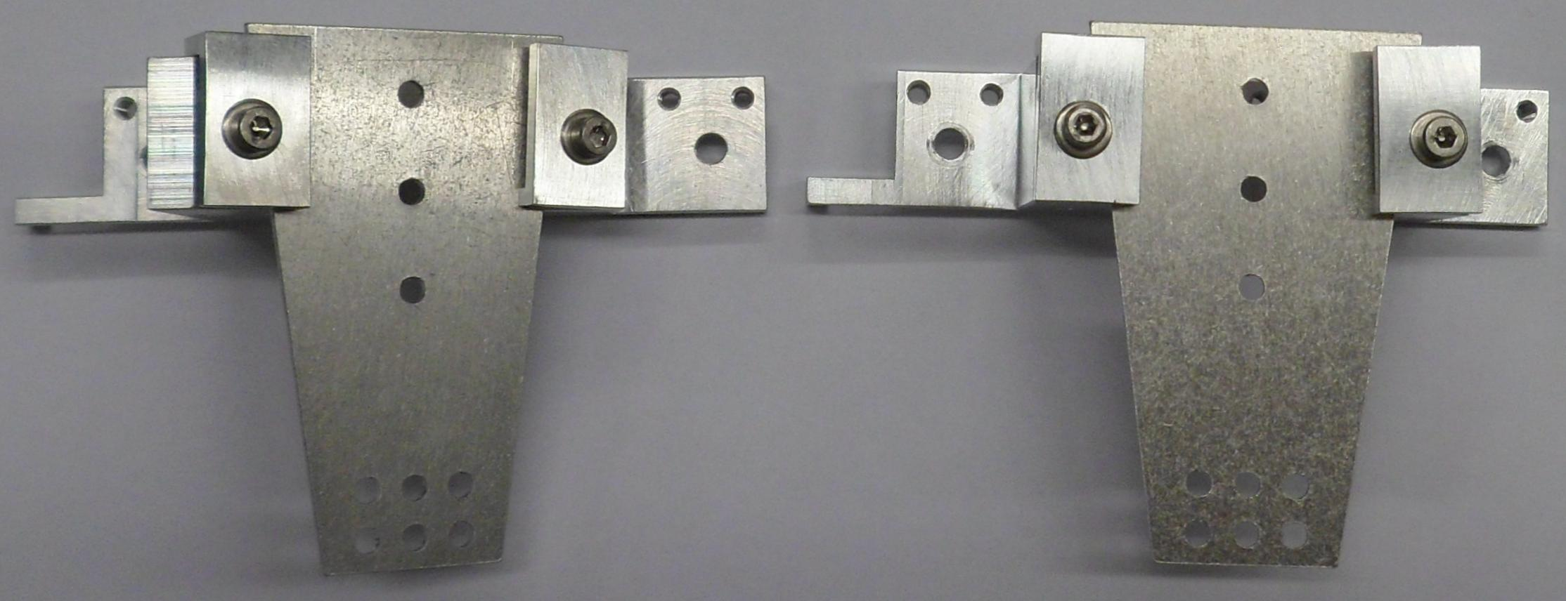 High-stability sample mount with thick sample plates mounted at (left) 30° yaw and (right) flat orientations.