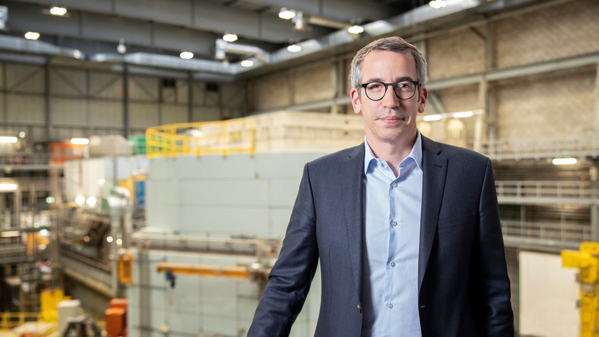 Professor Dr. Christian Rüegg new Director of the Paul Scherrer Institute