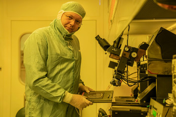 PSI project leader Martin Bednarzik in the clean room