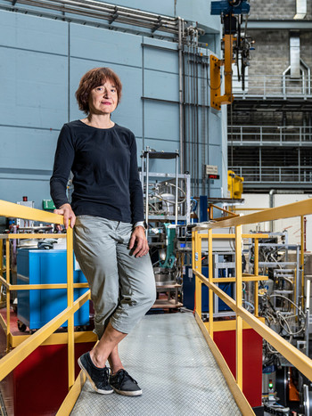 Oksana Zaharko heads the Solid Structures research group at the Paul Scherrer Institute
