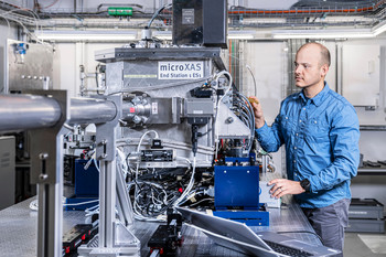 Dario Sanchez is a scientist at the microXAS beamline of the Swiss Light Source SLS at PSI.