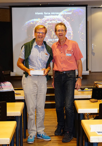 Jens Gobrecht receives the SNI Honorary Membership