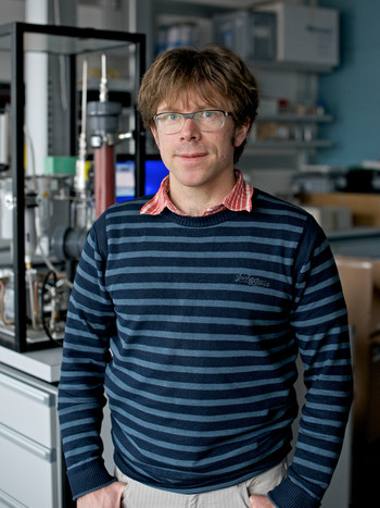 Environmental physicist Martin Gysel has received the prestigious European ERC Consolidator Grant for his studies on the role of soot in cloud formation and global warming.  (Photo: Paul Scherrer Institute/Markus Fischer)