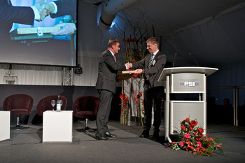 PSI Director Joël Mesot greets the guests and thanks André Zoppi, Mayor of Würenlingen, for the support. (Photo: Paul Scherrer Institute/Markus Fischer)