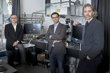 They have developed a new more precise method for studying catalytic processes: (from left to right) Yasin Ekinci, Waiz Karim and Jeroen van Bokhoven. (Photo: Paul Scherrer Institute/Mahir Dzambegovic)