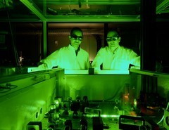 PSI researchers Mostafa Shalaby and Christoph Hauri in PSI's laser laboratory, where they produced the smallest possible flash of terahertz light. (Photo: Scanderbeg Sauer Photography)