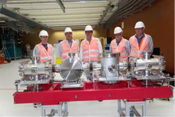 The gas-based photon position and intensity monitor in the SwissFEL ID lab, with (left to right) Alex Bollhalder, Luc Patthey, Kai Tiedtke, Christoph Hess, and Claude Pradervand